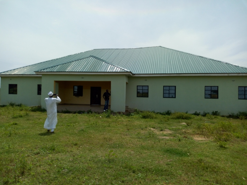 Residents kick as Sen. Shehu Sani secretly reinsert N40m completed Healthcare facility in Rigachikun as constituency project in 2018.